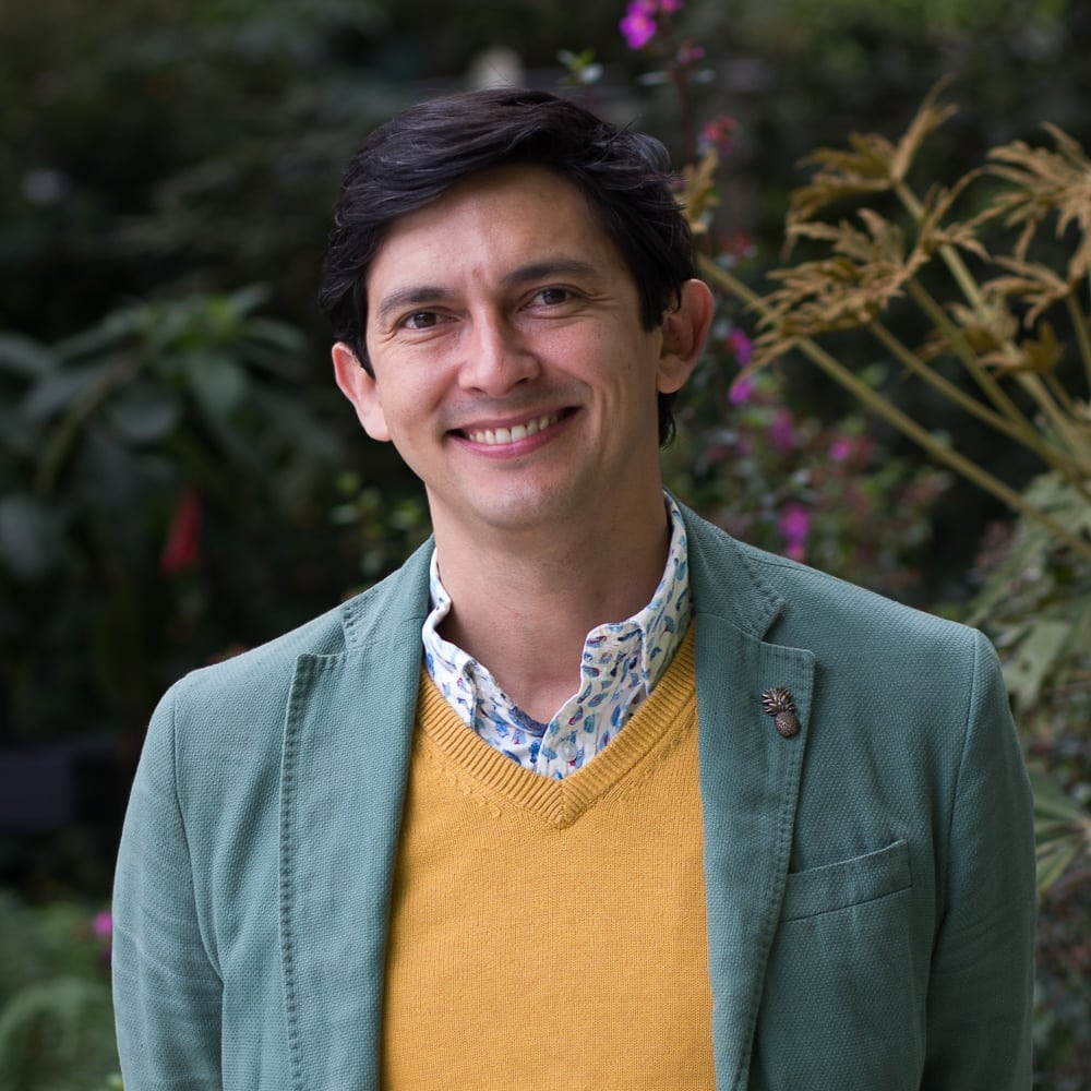 La colección Nueveochenta en red publica texto monográfico sobre la obra de nuestro profesor Esteban Peña